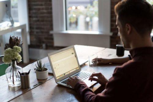 Travailler sur internet étudiant - Salaire: 1850€ à 3850€ /mois